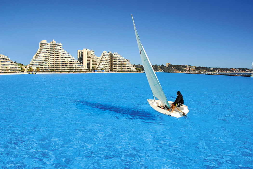 Arc Real Estate World S Largest Outdoor Swimming Pool In Chile