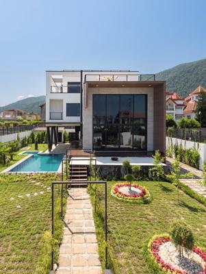 Tooska Villa